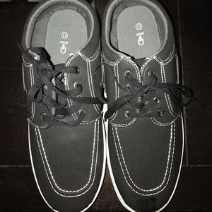 Other - NEW Men Boat shoes/sneakers