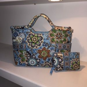 Vera Bradley tote and wallet set