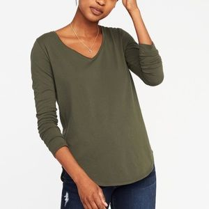 NWOT Old Navy olive v-neck long sleeve tee