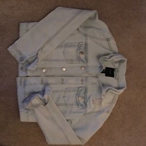 Jean Jacket Distressed forever 21 size m