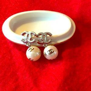 Faux pearl fashion earrings.