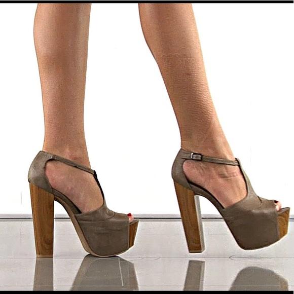 d77c26bd605 Jessica Simpson Shoes - Jessica Simpson Dany Platform Heel Size 7