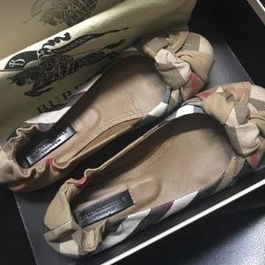 BURBERRY AGE HOUSECHECK ROUND BALLERINA FLAT