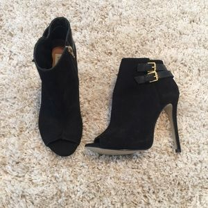 Steve Madden open toe booties
