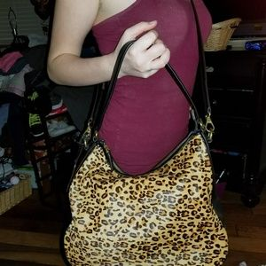 Nwt Leapord purse brand new!!!