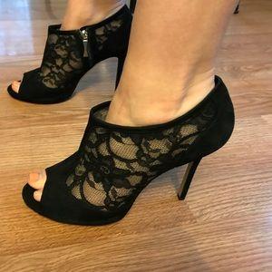 Kate Spade New York peep toe black bootie size 10