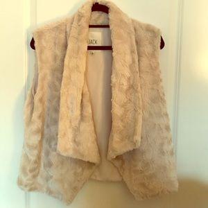 Cream Faux Fur Vest (L)