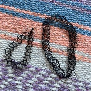 Stretch choker necklace and bracelet set