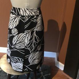 Classic Ann Taylor a line skirt.