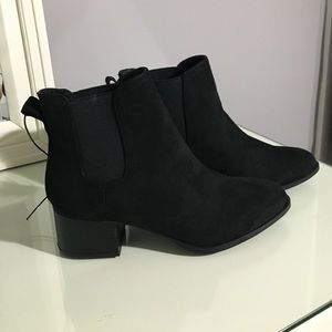 Forever 21 Faux Suede Black Booties