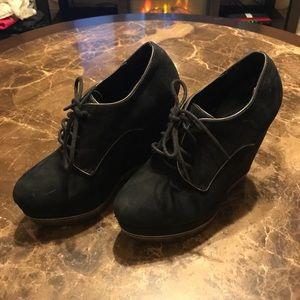 Black suede bootie heels *FOREVER 21*