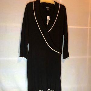 NWT-GLAMOUR Black & White Trimmed Sweater Dress