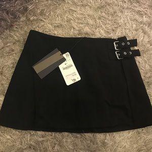 NWT Zara Black Mini Skirt with 2 buckles
