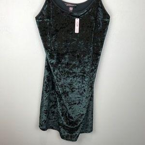 Victoria's Secret size M/L Black velvet slip