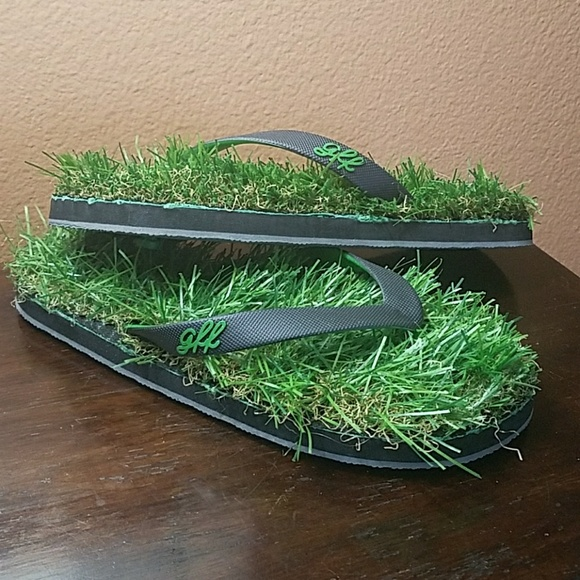 2e7ba8de8 gff Shoes - GFF Grass Flip-Flops!