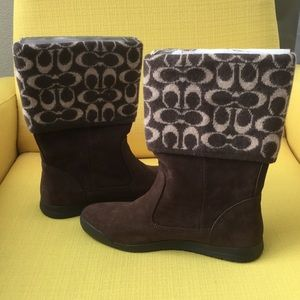 New coach chocolate brown suede short boots 8M