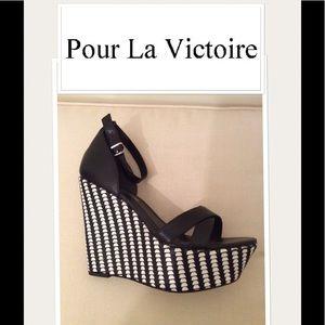 NEW Pour La Victoire sandals 1022