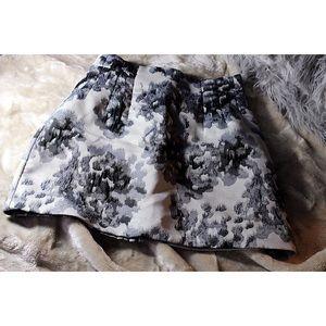 Black & Grey Mini Skirt - Women's US 8