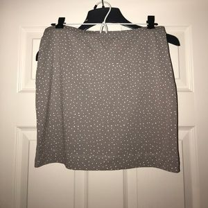 H&M- gray spotted mini skirt