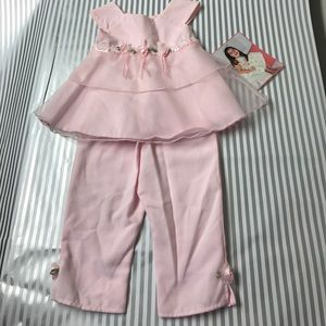 Other - NWT CUTE two piece set. Floral, light pink!
