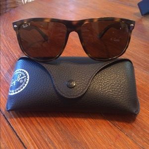 Authentic Polarized Ray-Ban RB4147