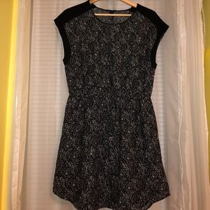 Black with white speckled short sleeve dress