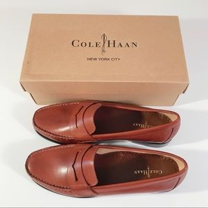 NWT size 8.5 saddle tan leather Cole Haan loafers
