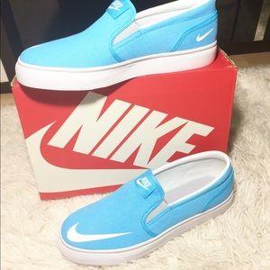 71436589518d Nike Shoes - Brand NEW! Nike Baby Blue Toki Slip on Sneakers