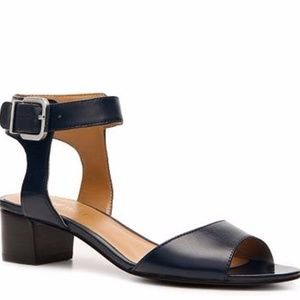 Nine West Tertia Sandals black. Size 10.