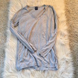 Linen v neck with long sleeve