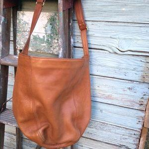 Coach saddle duffle feed bag! C6m-4916