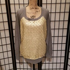 Festive lightweight sweater with sequins