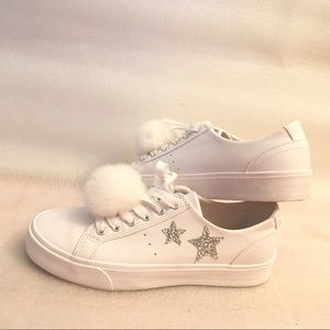 Pull and bear white stars fur ball sneakers