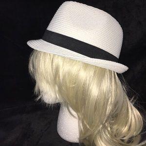 White Fidora Hat black ribbon UV packable NWT