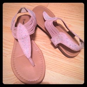Cute everyday sandals!