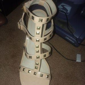 Dress heel