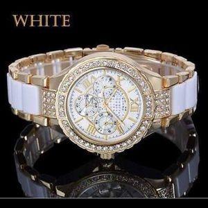 Analog quartz wrist watch