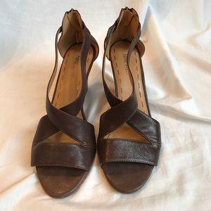 Nine West Brown Cross-strap Sandals w/ Zipper