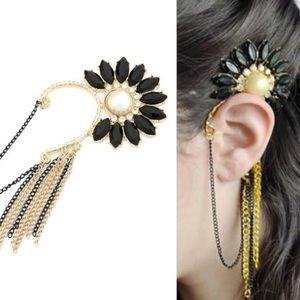 Flower Jewels Earcuff
