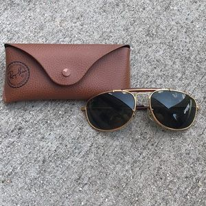 AUTHENTIC VINTAGE RAY BANS!!