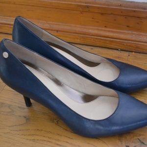Calvin Klein Blue Ashley Kitten Heels (Size 8.5)