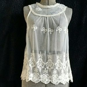Monteau LA Off White Sheer Lace Accent Top Sz. M