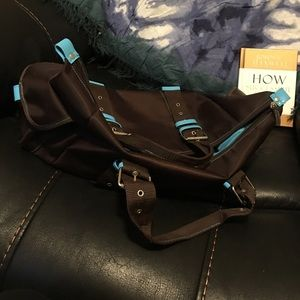 Brown and turquoise overnight/gym bag.