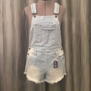 Forever 21 short cutoff overalls size 29