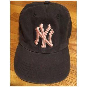 Women's Grey&Pink Yankees Hat