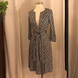 Diane Von Furstenberg black white o wrap dress 0