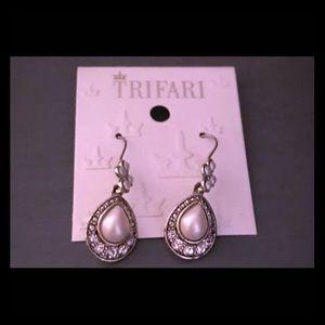 Beautiful Trifari Earrings