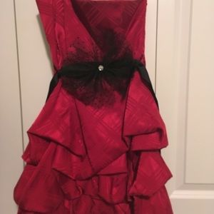 Dresses & Skirts - red mini dress size 5