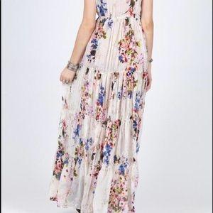 Beautiful floral dress 🌺