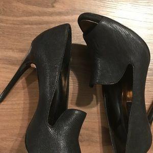 Holiday happening shoe